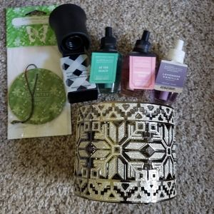 Assorted bath and body works items